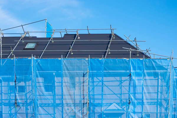 外壁や屋根の補修は同時に行うべき?塗り替えは何年からがおすすめ?サムネイル