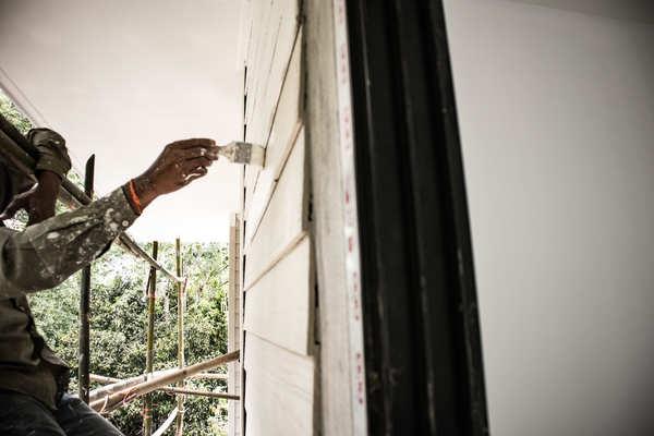 外壁塗装の要!各仕上げ工法のメリット・デメリットをご紹介サムネイル